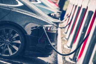 高阶电动车技术持续进化,有助碳化硅厂商布局信心提升